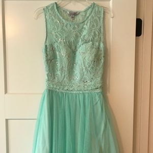 Speechless sparkly homecoming or prom dress!!